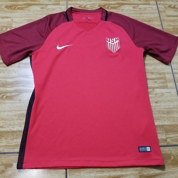 0f174fa8ba45 Nike World Cup USA Red Soccer Jersey Size Medium. M 5c7d3fa22beb792f94262de3